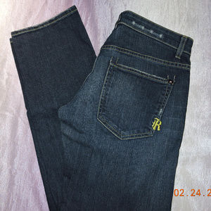 RICH AND SKINNY SUPER STUDLY  SIZE 27/30